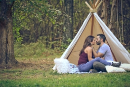 outdoor-lumberjack-tee-pee-couples-photo-shoot-at-heritage-ranch-nelson-table-for-two